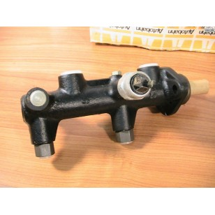 Audi Fox VW Dasher Brake Master Cylinder Auto Trans NOS Jan. 1975-1977